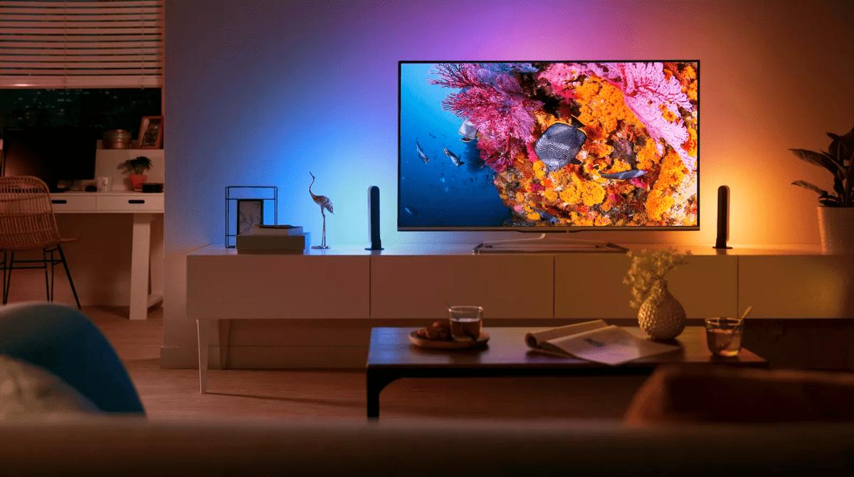 Room with smart lighting